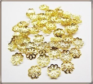 Capacele filigran floare 6mm - aurii (50 buc)