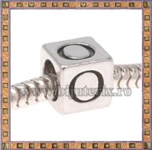 Margica argintie 6.4mm Litera O