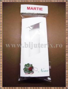 Set Cutie carton martisor Noroc trifoi cu fereastra 11x5x1cm + Punga celofan Martie - 10buc