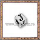 Margica argintie 5.5mm Litera J