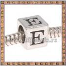 Margica argintie 6.4mm Litera E