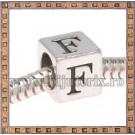 Margica argintie 6.4mm Litera F