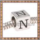 Margica argintie 6.4mm Litera N